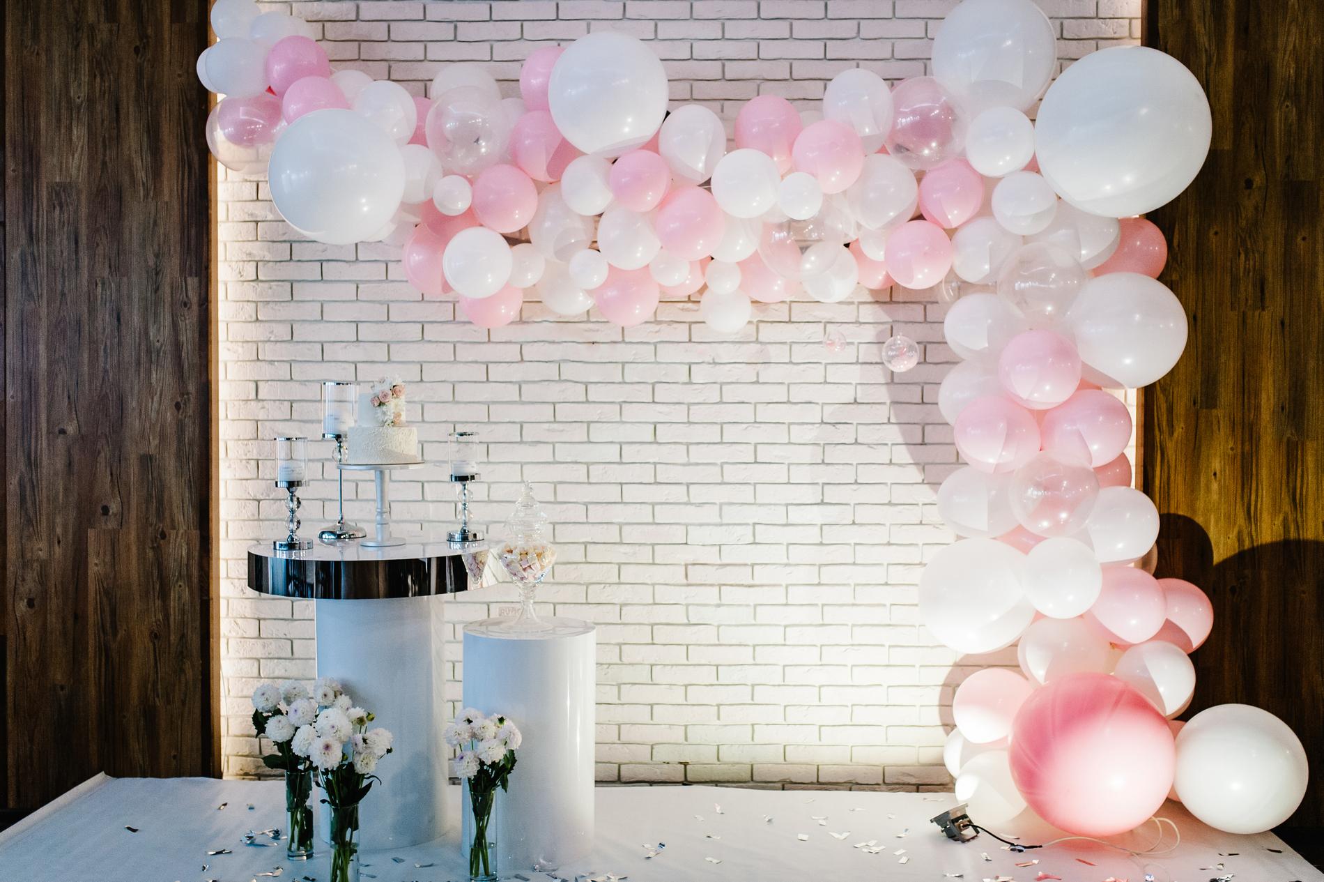 ghirlanda baloane decor roz si alb